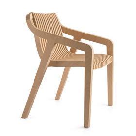 Minima-Radius-Carver-Chair