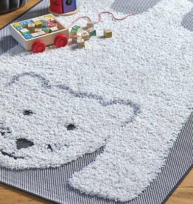 polar-bear-rug-lifestyle