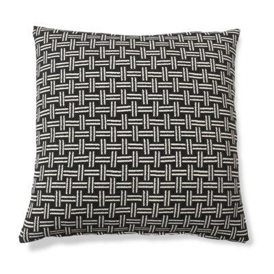basket-dark-cushion